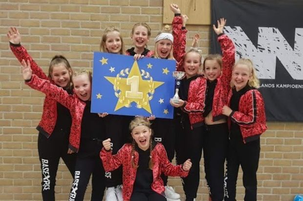 1e plaats streetdance wedstrijd voor dansteam uit Beilen